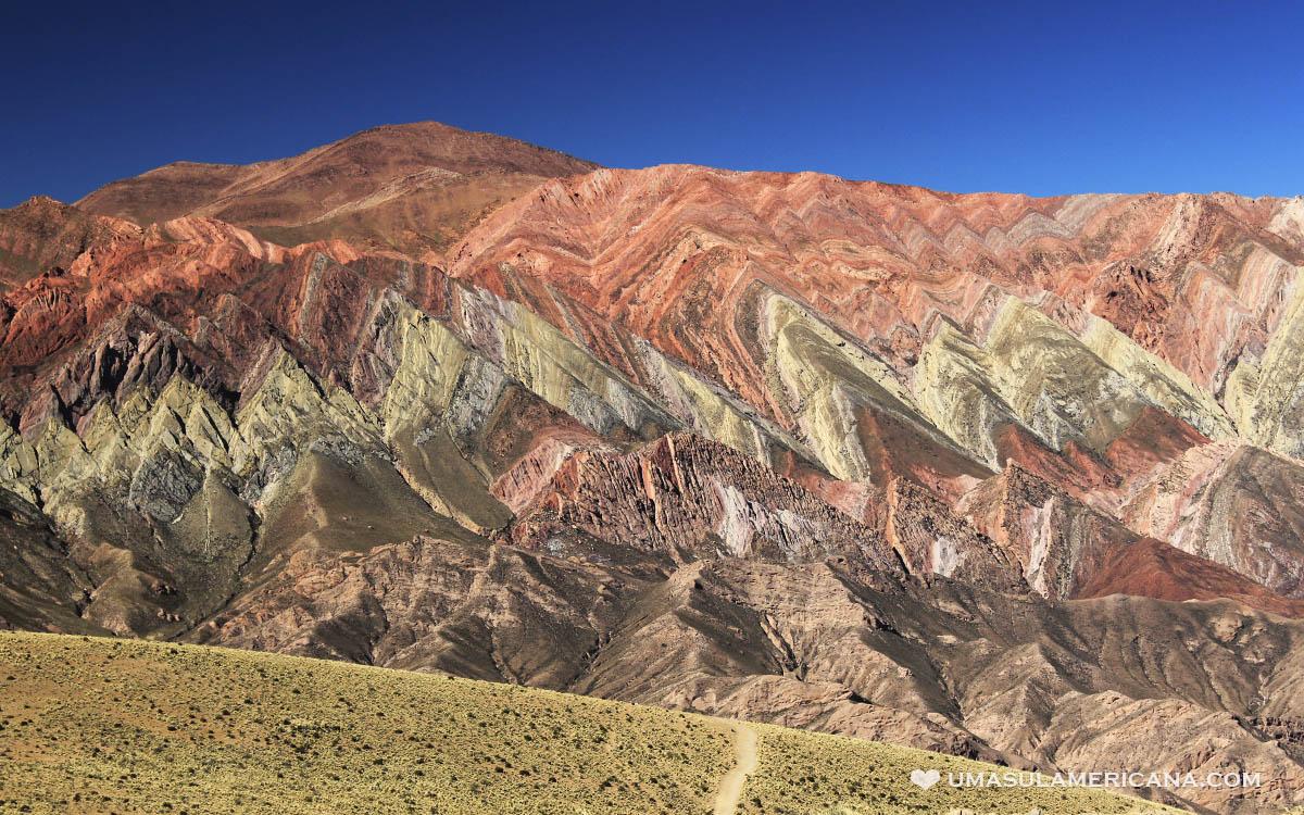 Hornocal, Cerro de 14 Colores no norte da Argentina, em Humahuaca