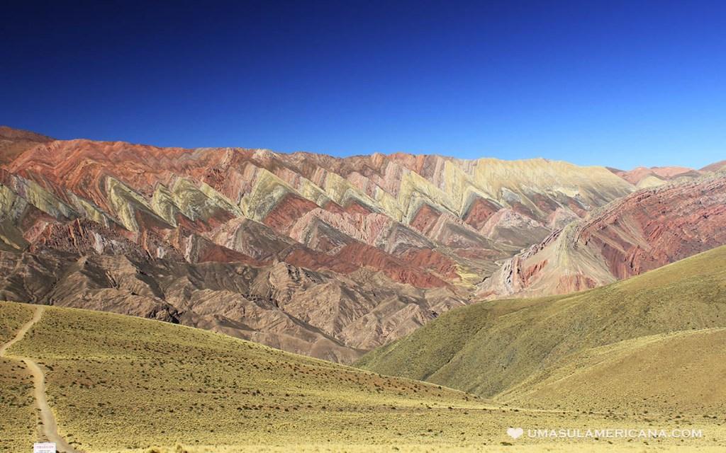 Hornocal, Cerro de 14 Colores no norte da Argentina, em Jujuy