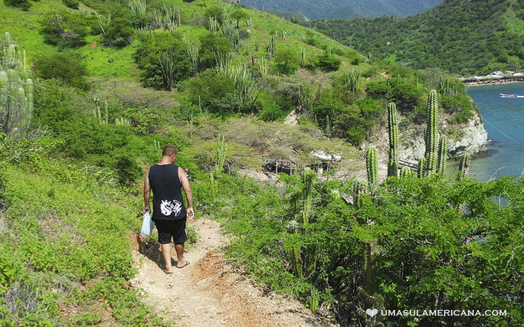 Trilha em Taganga, Santa Marta - Colômbia