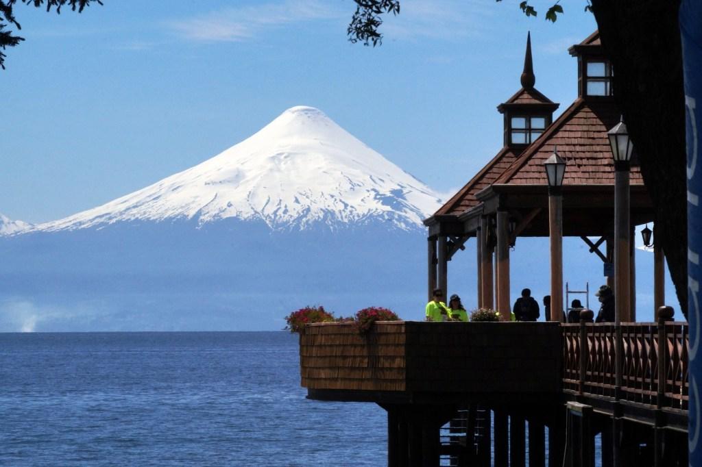 Frutillar na Região dos Lagos Andinos, um dos roteiros pra combinar Argentina e Chile na mesma viagem