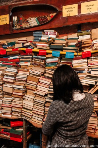 Livraria Acqua Alta em Veneza - Itália6