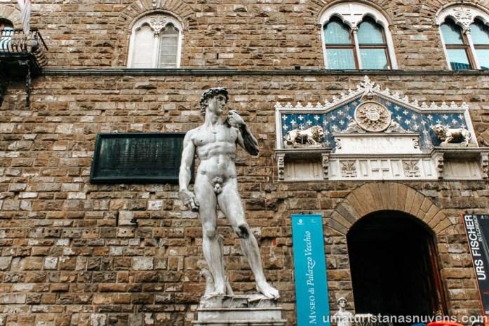 O que fazer em Florença - estátua Leonardo da Vinci