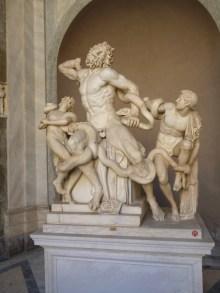 Escultura Laoconte e seus filhos