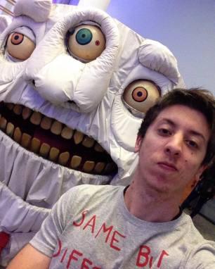 Dois monstros. Exposição na Caixa Cultural.