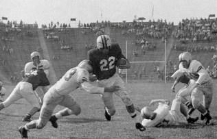 Dick Nolan runs through Georgia defenders.