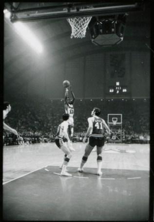 White shows off his range vs. South Carolina - January 9, 1971
