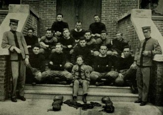 football-team-from-1911-reveille