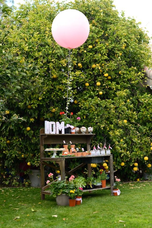 um-doce-dia-decoracao-no-jardim-para-o-dia-das-maes-01