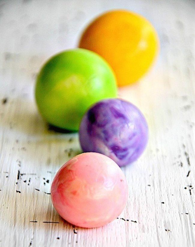 um-doce-dia-fazendo-bolas-de-borracha-com-as-criancas-01