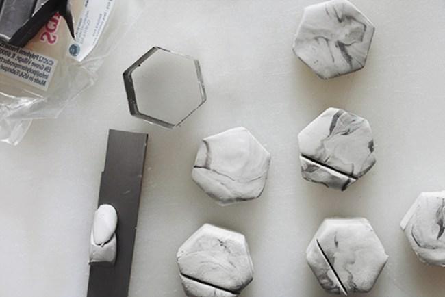 um-doce-dia-marcadores-de-lugar-falso-marmore-04
