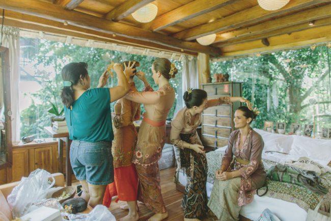 um-doce-dia-casamento-em-bali-indonesia-banyan-35