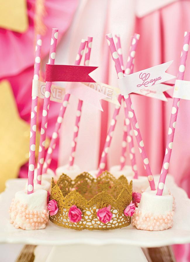 um-doce-dia-festa-da-princesa-tons-de-rosa-e-dourado-09