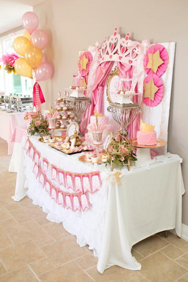 um-doce-dia-festa-da-princesa-tons-de-rosa-e-dourado-13