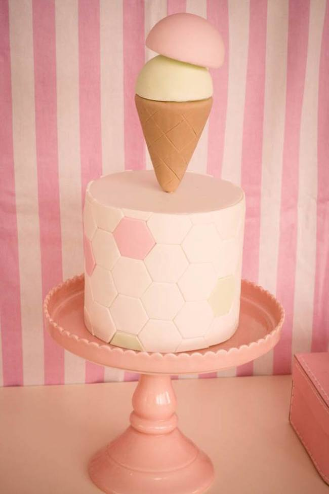 um-doce-dia-festa-um-pouco-de-sorvete-cor-de-rosa-03