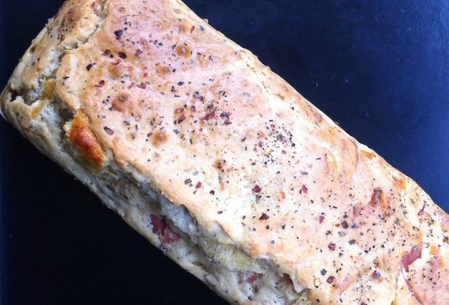 um-doce-dia-receita-bolo-salgado-de-queijo-com-salame-03