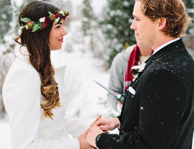 um-doce-dia-casamento-em-um-mundo-polvilhado-de-neve-04