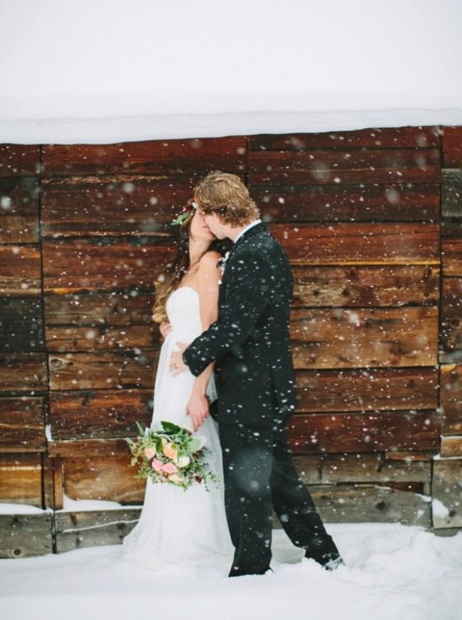 um-doce-dia-casamento-em-um-mundo-polvilhado-de-neve-13