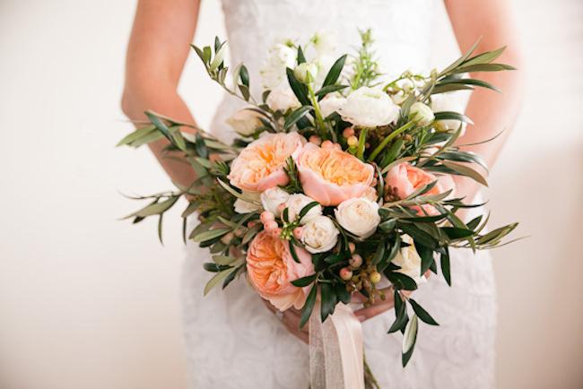 um-doce-dia-casamento-entre-rosas-olivas-e-alecrim-01