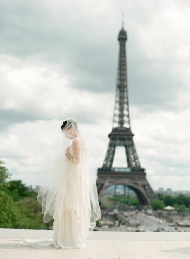 um-doce-dia-sessao-de-fotos-pre-casamento-em-paris-01