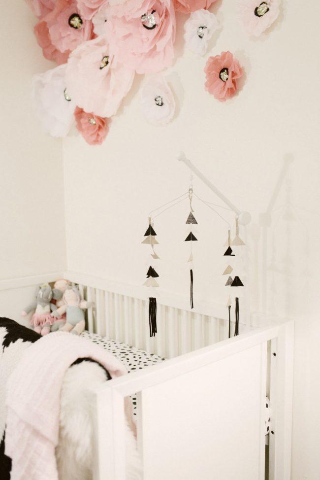 um-doce-dia-decoracao-quarto-de-bebe-pequena-francesa-04