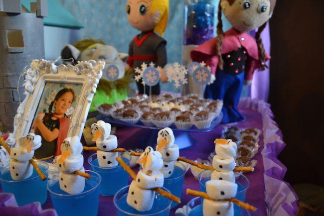 um-doce-dia-decoracao-frozen-com-a-princesa-helena-05
