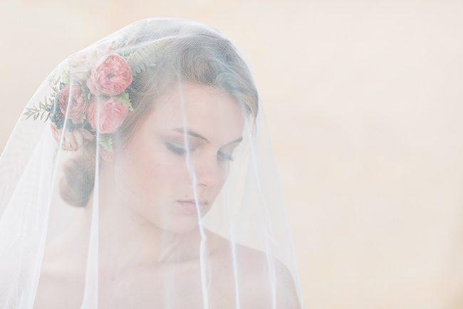 um-doce-dia-noivas-5-penteados-florais-03