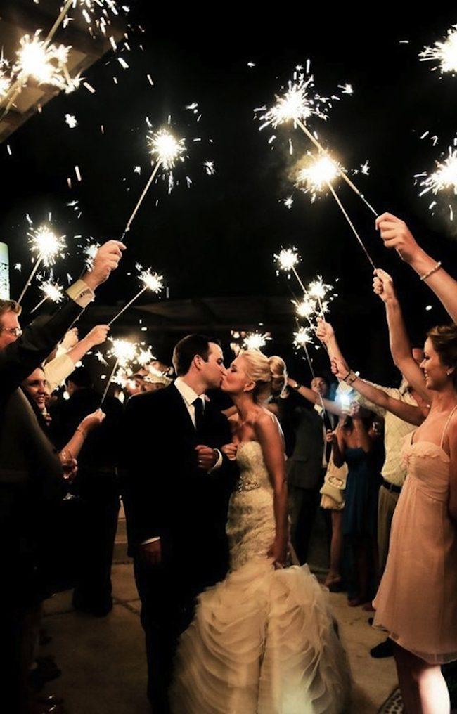 um-doce-dia-casamento-era-uma-vez-o-arroz-fotografia-simply-simplify-sparklers-01