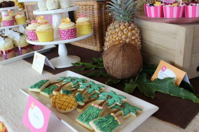 um-doce-dia-festa-meninas-luau-havaiano-no-quintal-04
