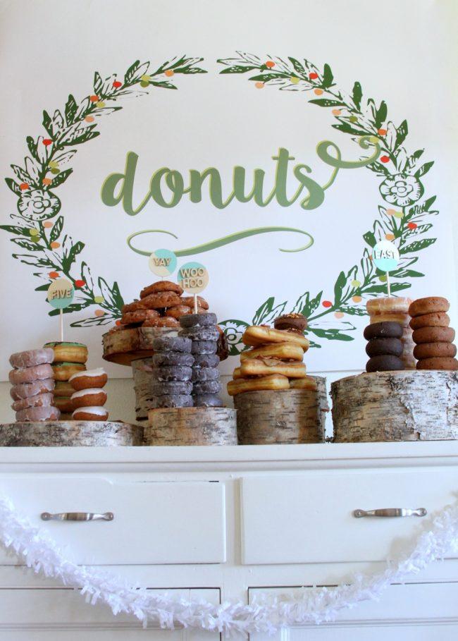 um-doce-dia-mesa-de-sobremesas-donuts-01