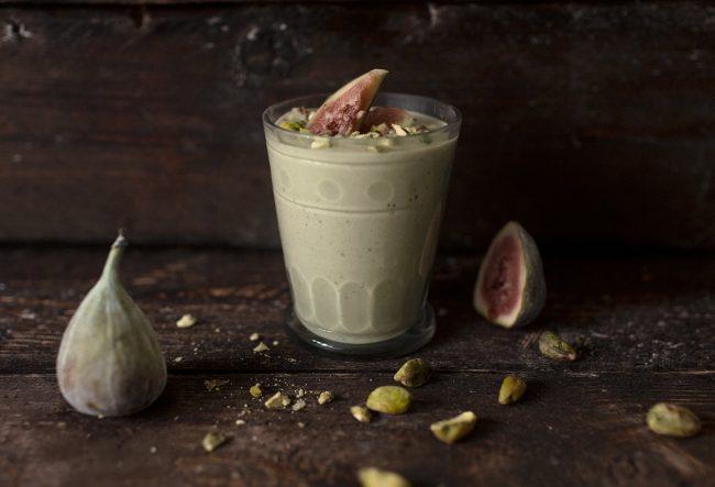 um-doce-dia-receita-smoothie-vegano-de-pistache-01