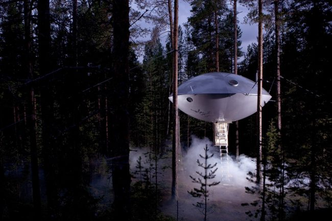 um-doce-dia-viagem-treehotel-ufo-04