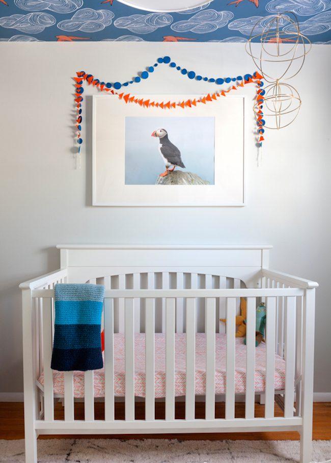 um-doce-dia-decoracao-quarto-de-bebe-azul-e-laranja-08