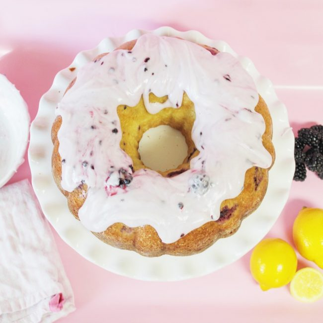 um-doce-dia-receita-bolo-de-limao-com-amoras-gigantes-04