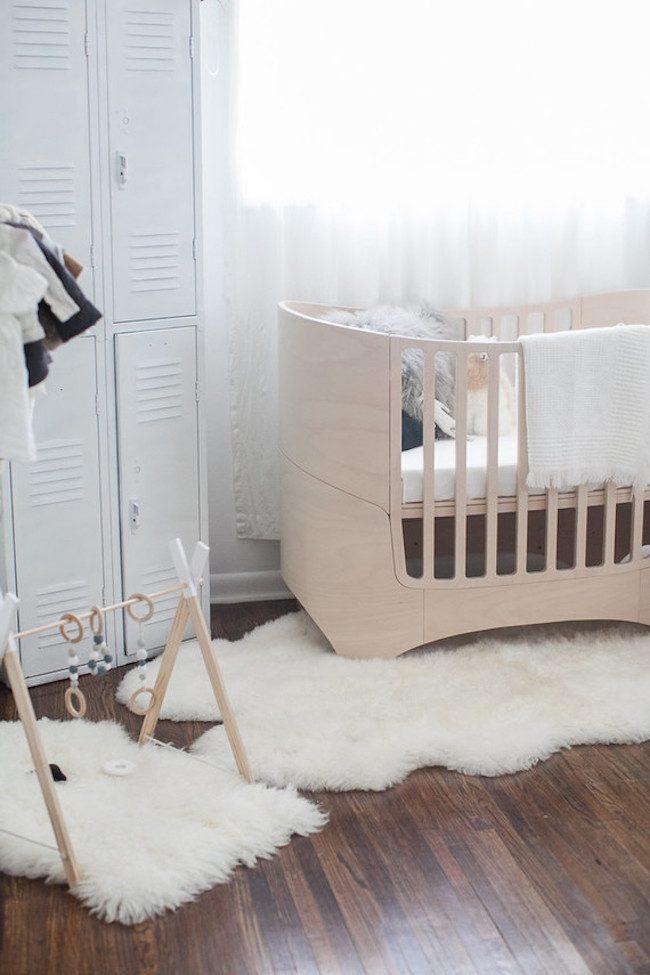 um-doce-dia-quarto-de-bebe-simplicidade-rustica-para-adoraveis-meninas-01
