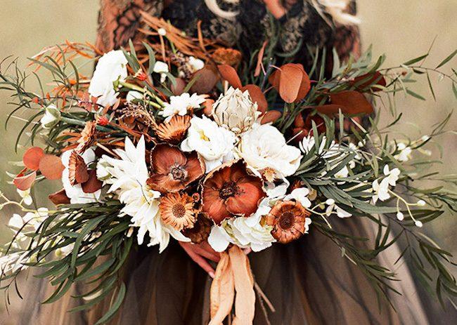 um-doce-dia-casamento-inspiracao-renda-negra-e-tule-escuro-12