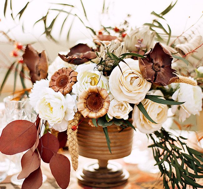 um-doce-dia-casamento-inspiracao-renda-negra-e-tule-escuro-20