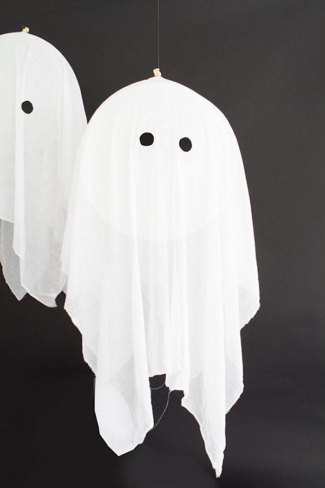 um-doce-dia-diy-de-halloween-fantasmas-flutuantes-03