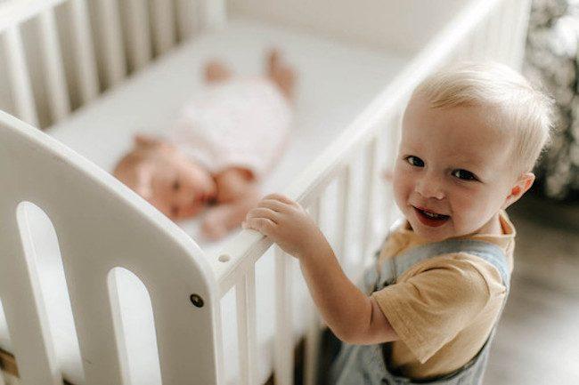 um-doce-dia-decoracao-quarto-de-bebe-sereno-e-de-luz-natura-08