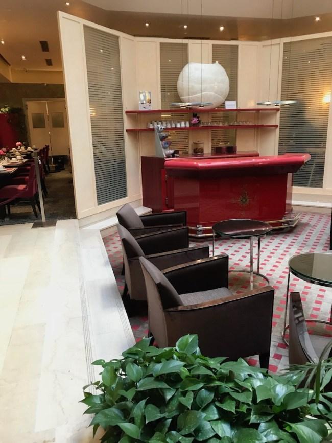 Hall hotel Astra Paris