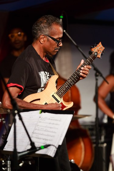 Featured is Angelo Hernandez of the group Liner Notes. (Jeff Fitzgerald/For The Bloc)