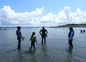 サンゴに出会えるスノーケリング体験(シュノーケリング体験)の様子