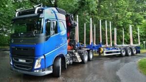 preprava-dlouheho-dreva_NPK-39_off-road-promo27