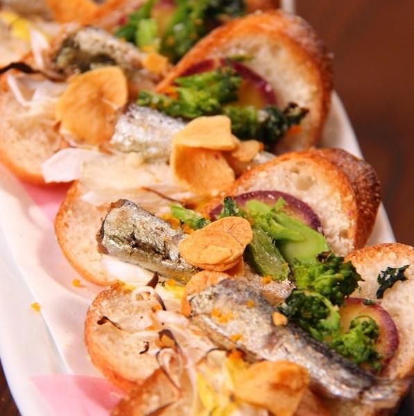 白葱とアンチョビのバケットピザ
