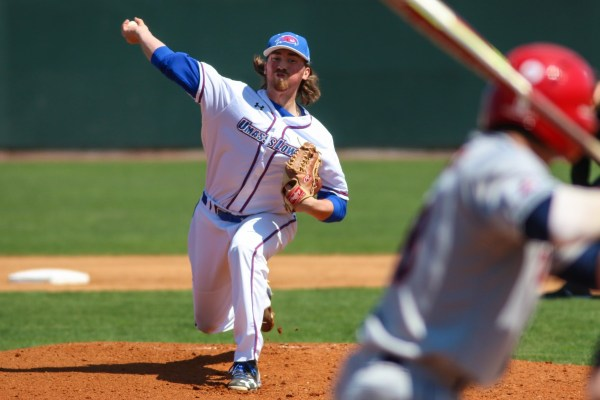 River Hawks have Saturday sweep against Stony Brook