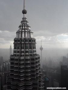 Visiting KLCC Skybridge Petronas Twin Towers   Ummi Goes Where?
