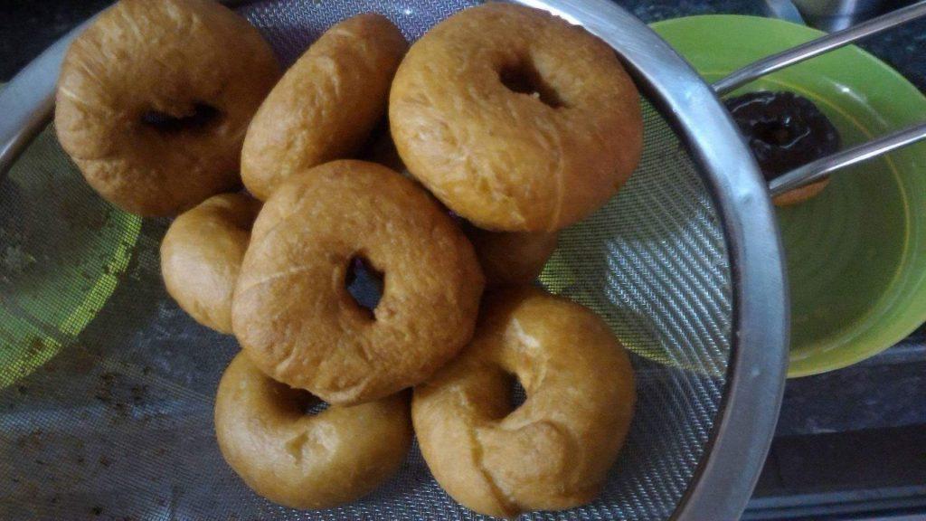 donut coklat