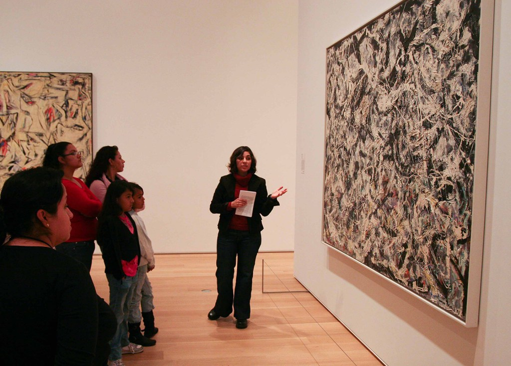 MSP07 Monica Huerta leads a tour during practicum at the Art Institute of Chicago