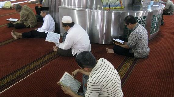 Ketika Membaca Al-Qur'an Menjadi Makruh