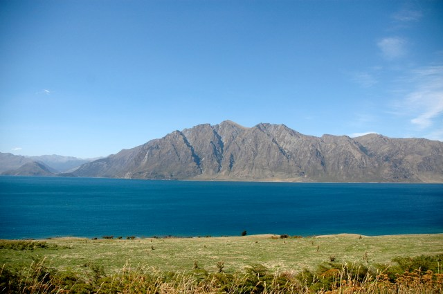 O lago glacial de Lake Wanaka