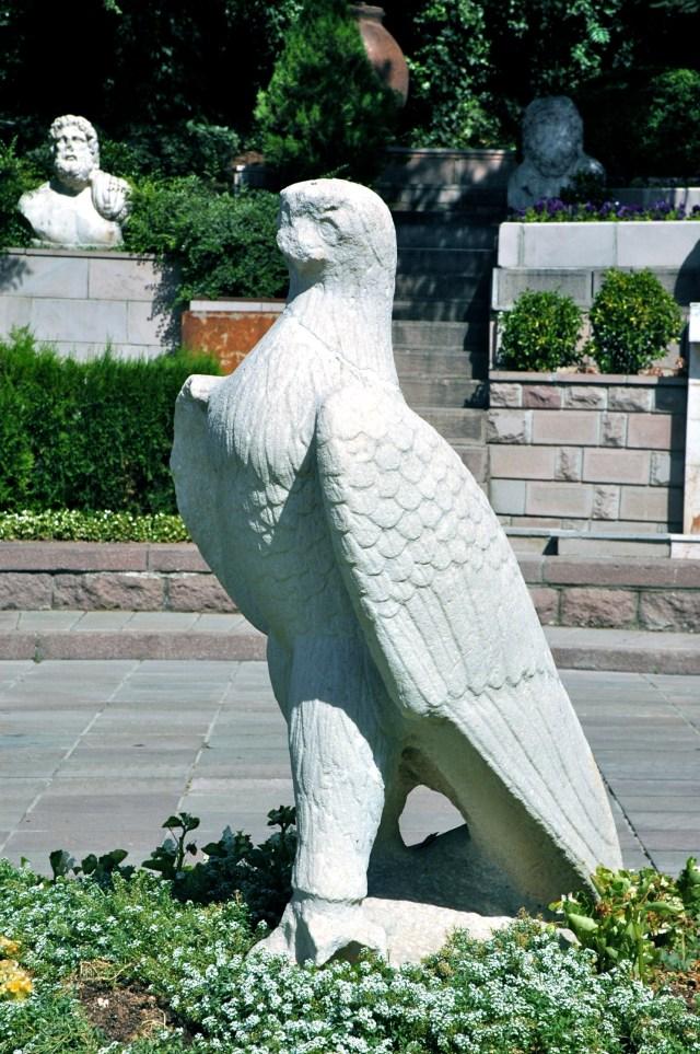 Estátua Hitita na entrada do Museu das Civilizações da Anatólia em Ankara